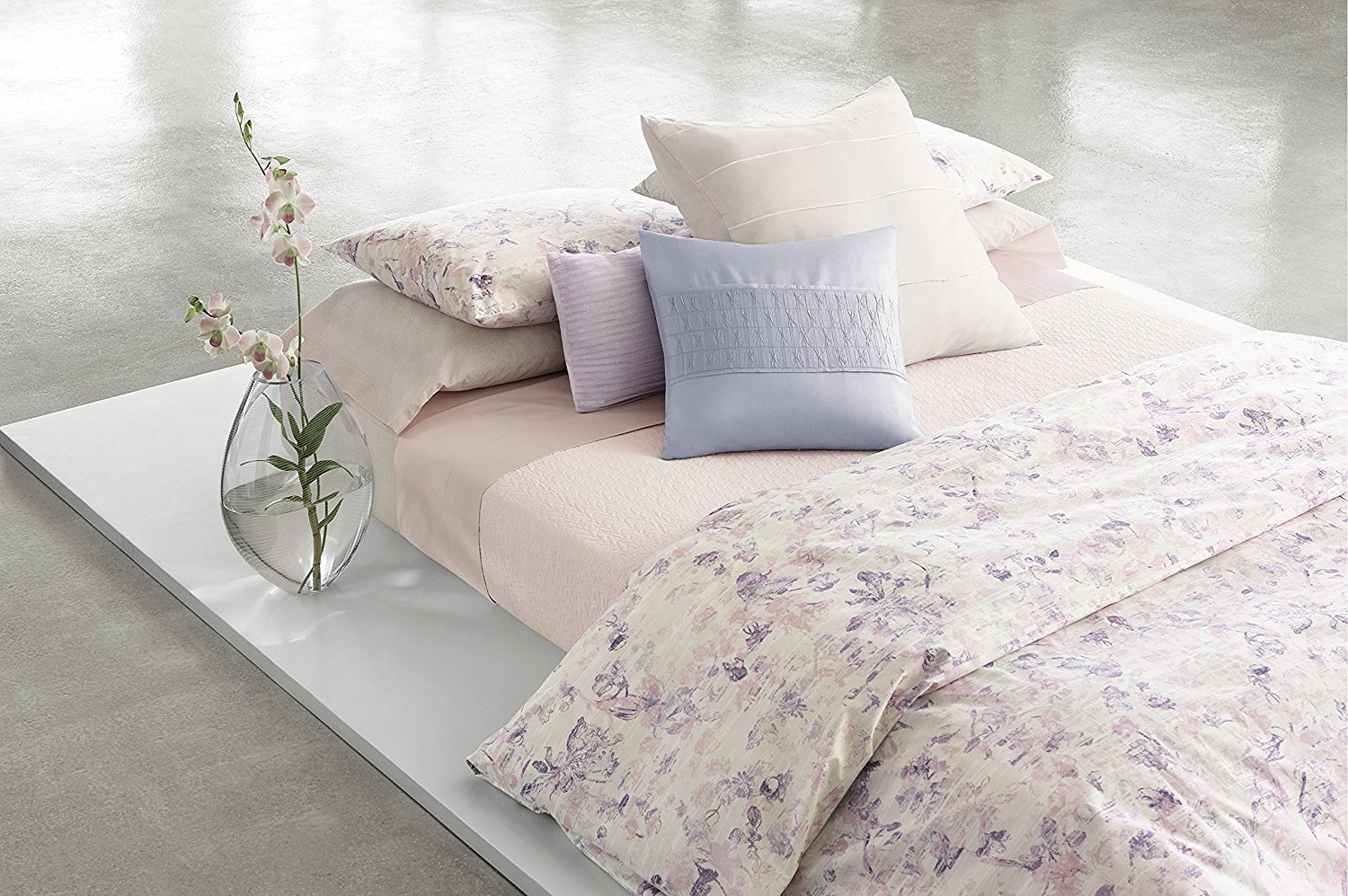 Calvin Klein Blush Lilium Queen Coverlet SOC 1226