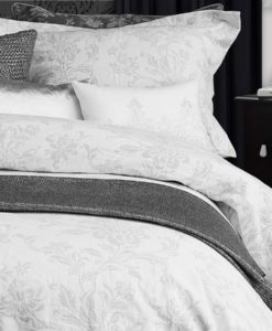 The White Collection Ainsleigh Queen Duvet Cover SOC 749
