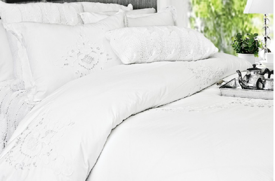 The White Collection Contessa King Duvet Cover SOC 740