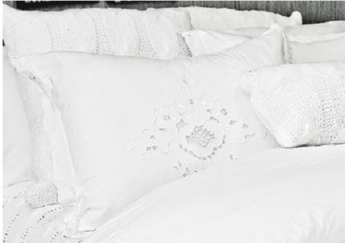 The White Collection Contessa Standard Sham SOC 739