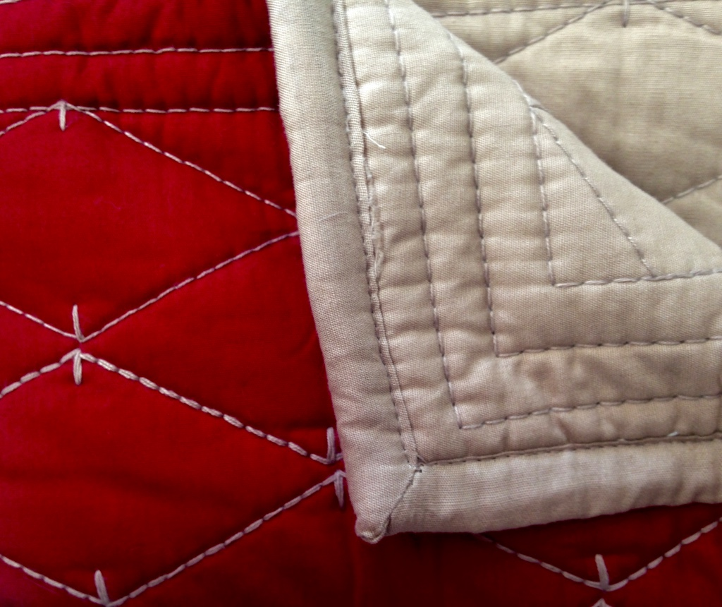Martha Stewart Solid Diamond Red/Taupe Reverse